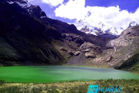 hermosa laguna en Perú